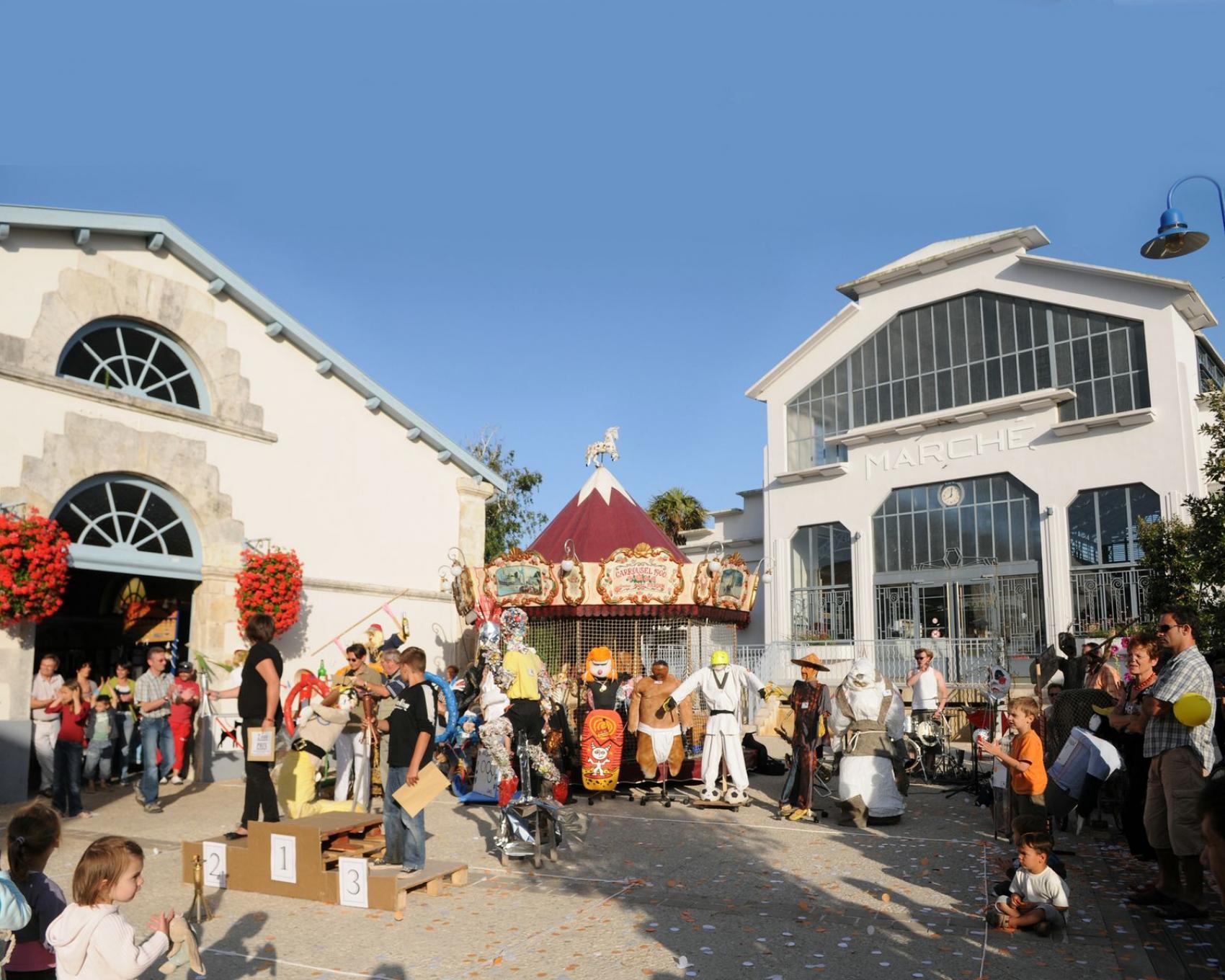Les march s et les foires fouras les bains station for Fouras hotel des bains